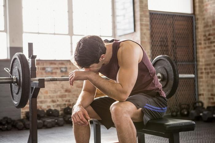 Combinar entreno con pesas y cardio para perder grasa